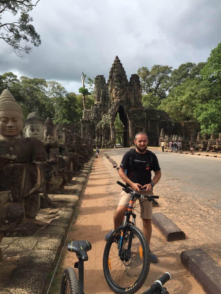 Angkor in bici