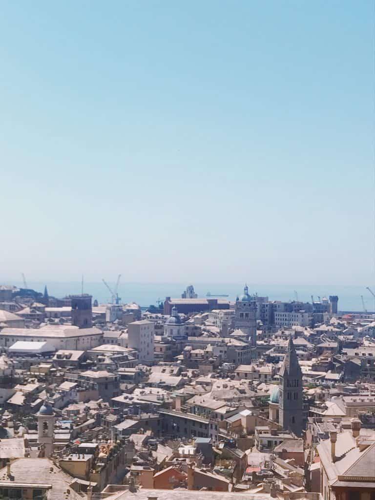 Vista su Genova da Spianata Castelletto
