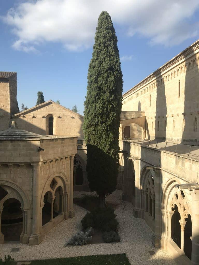 Il Chiostro del Monastero di Poblet in Spagna