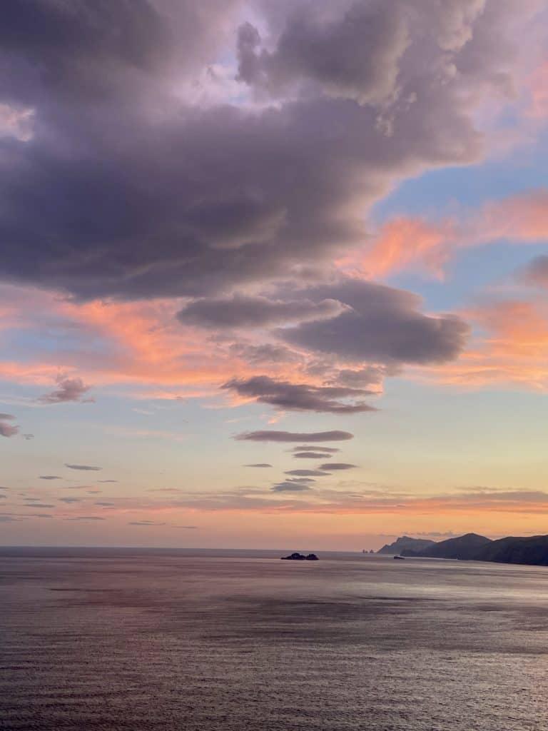 Cosa fare in Costiera Amalfitana: vedere i tramonti di Praiano