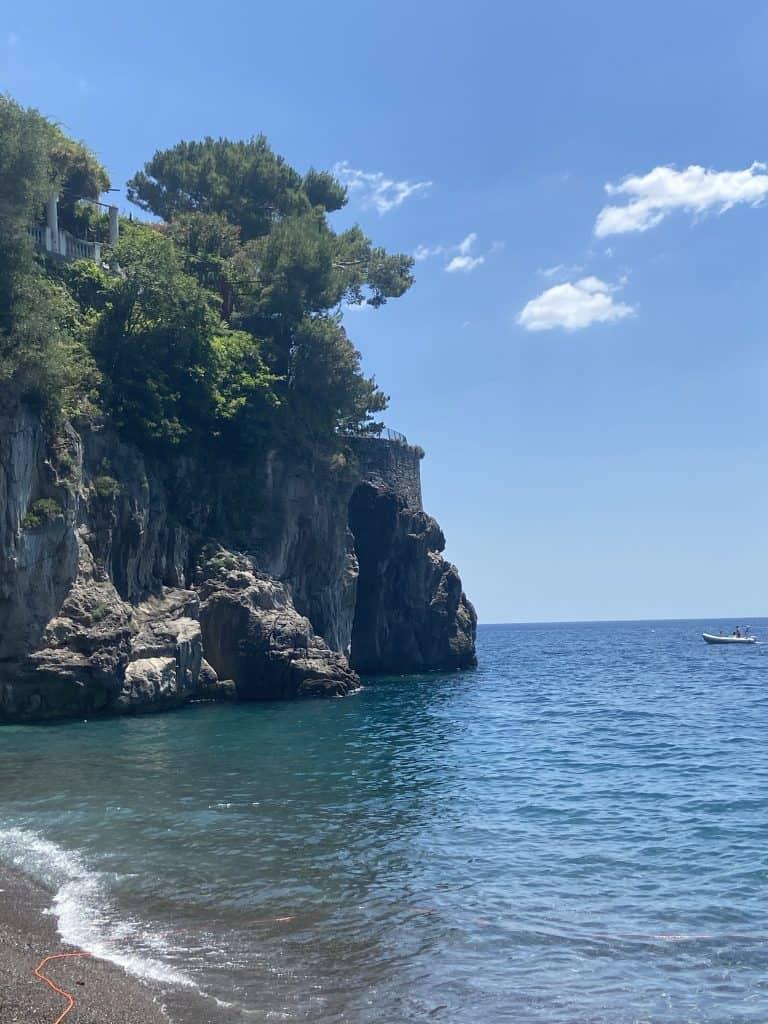 Spiaggia di Arienzo alla fine del Sentiero degli Dei
